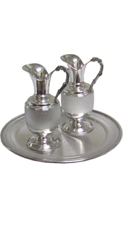 Cruets set - decoration in handles